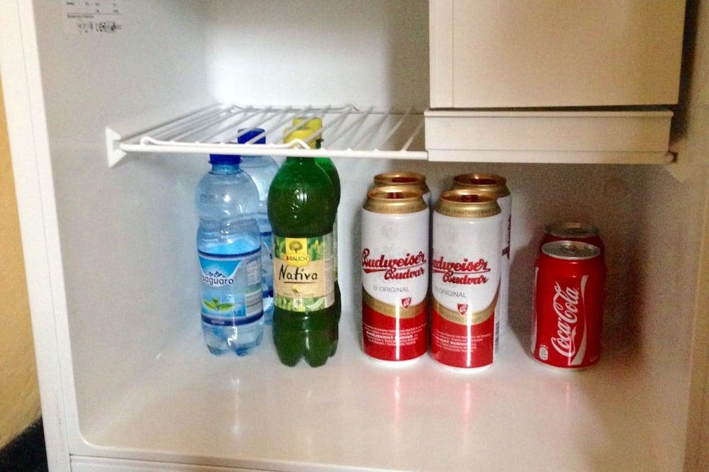 4 人部屋 - 小型冷蔵庫