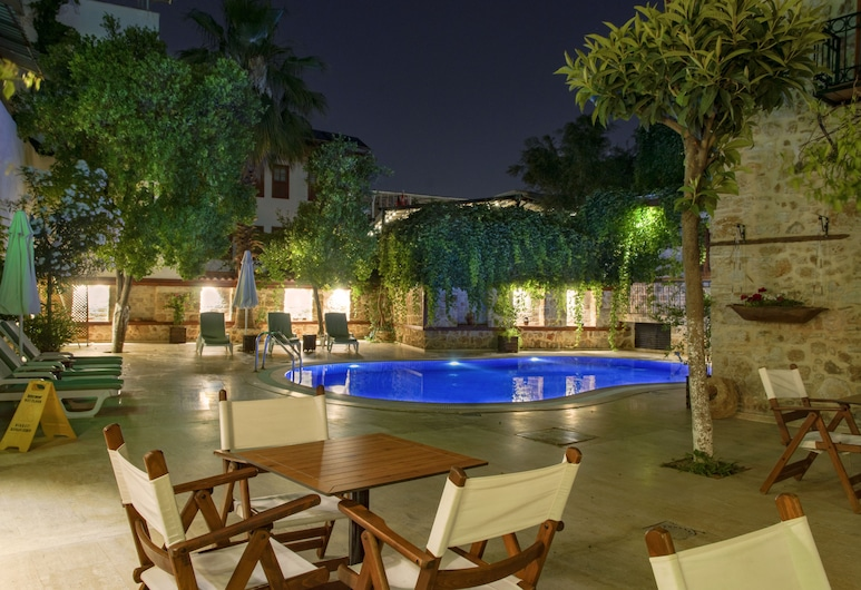 White Garden Hotel, Antalya, Outdoor Pool