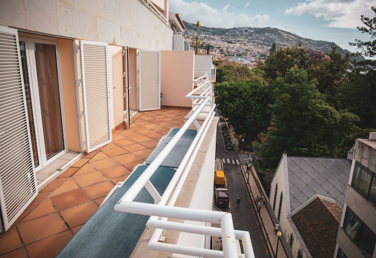 Apartamentos Turisticos Atlantida, Funchal, Apartment (4 Guests), Balcony