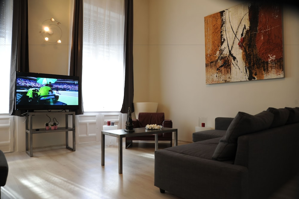 Prenota Budapest Easy Flats- Operetta Lux Apartment a Budapest ...