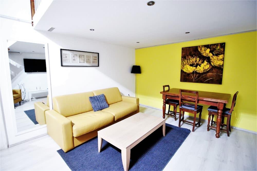 Dzīvokļnumurs, trīs guļamistabas, virtuve (Jokai 1) - Dzīvojamā istaba