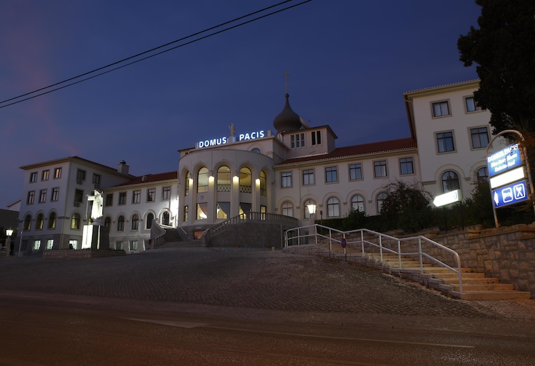 Domus Pacis Fatima Hotel, Fatima, Hotel Front – Evening/Night