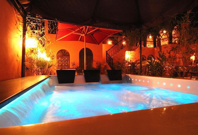 Riad Jona, Marrakech, Outdoor Spa Tub