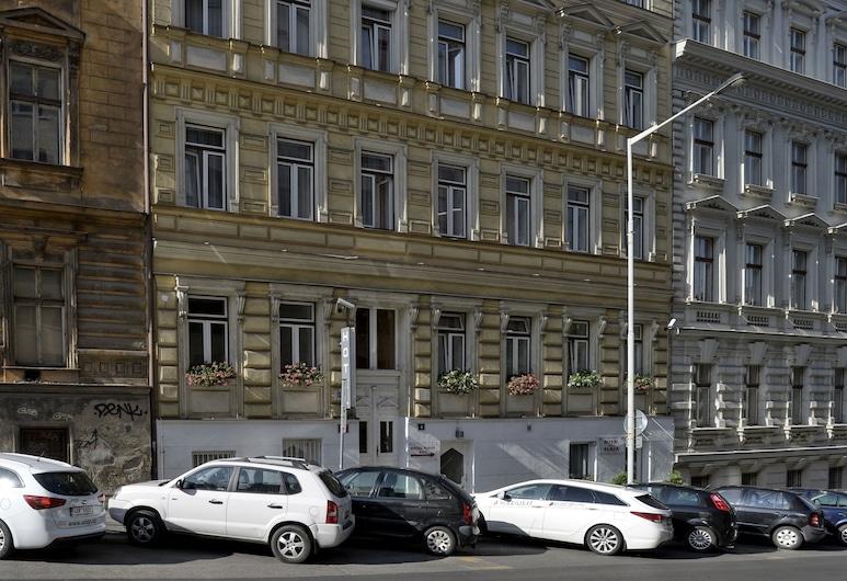 Royal Plaza, Praha, Pohľad na hotel