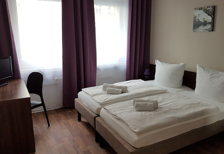 Hotel-Pension Reiter, Berlin, Economy Double or Twin Room, Shared Bathroom, Guest Room