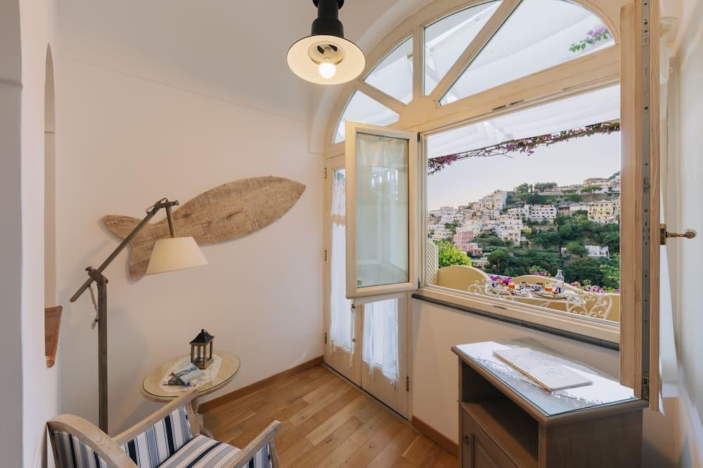Junior Suite, Terrace, Partial Sea View - Living Area