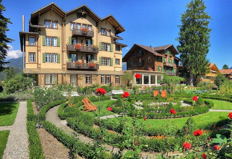 Alpenrose Hotel & Gardens, Wilderswil, Aed