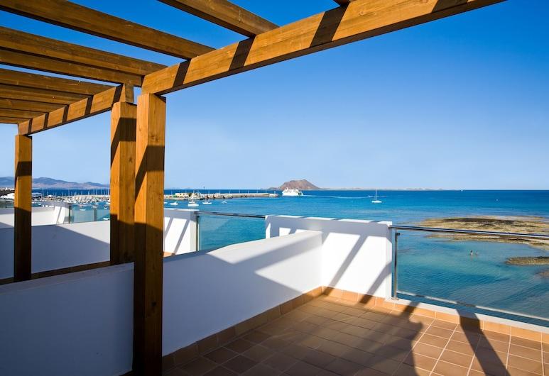 Hotel THe Corralejo Beach, La Oliva, Leilighet – superior, utsikt mot sjø, Terrasse/veranda