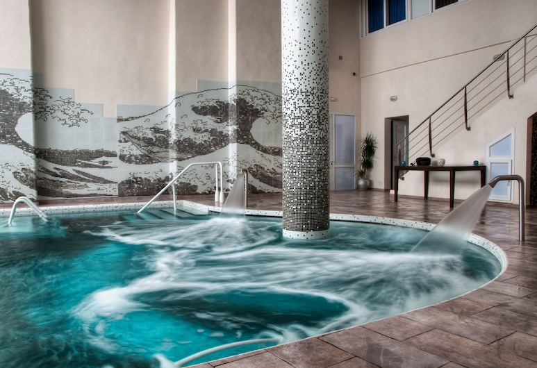 فندق وثالاسو لو موناكو, سوسة, حمام سباحة