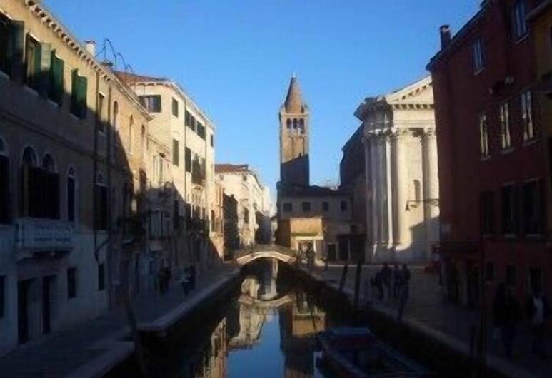 B&B Leonardo, Венеция, Вид на улицу