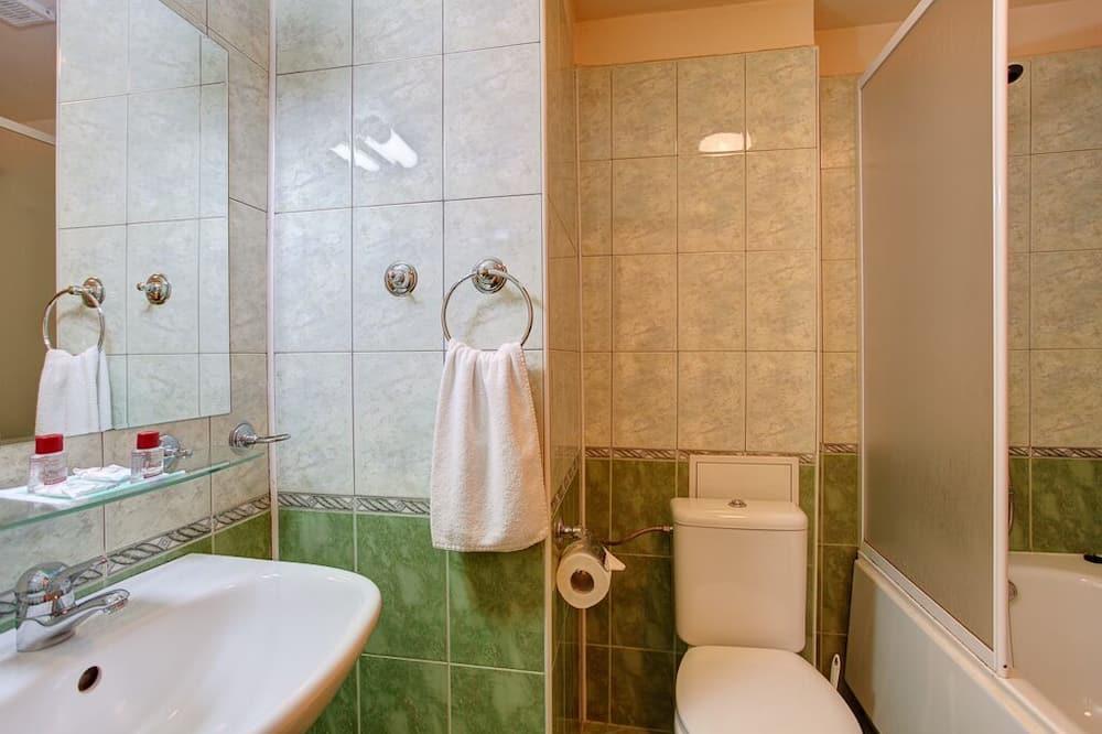 Kamar Double - Kamar mandi