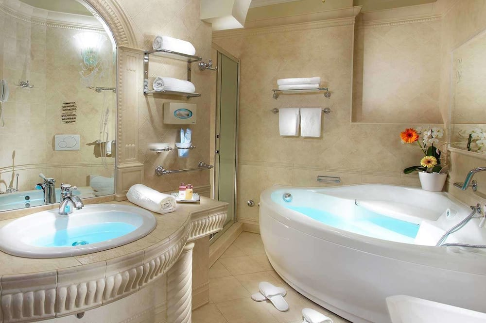 Junior Suite, Partial Sea View - Bathroom