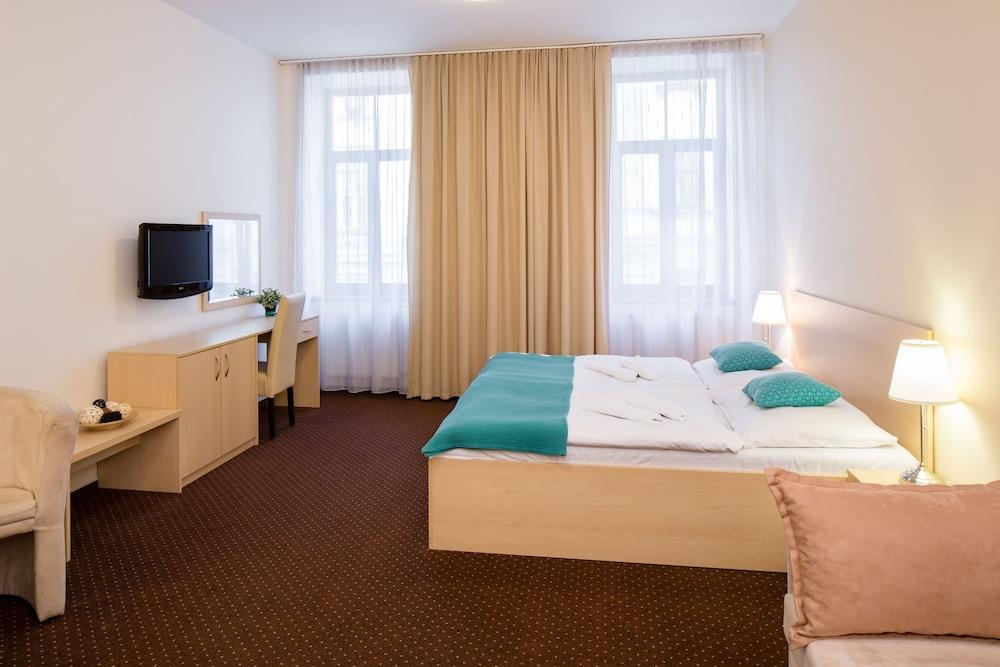 Hotel Cyro, Brno