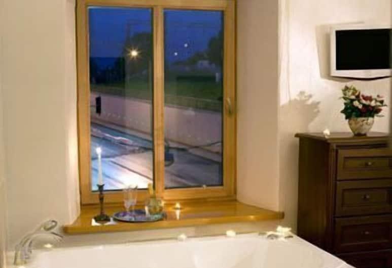 Florens Boutique, Vilnius, Superior Double Room, Deep Soaking Bathtub