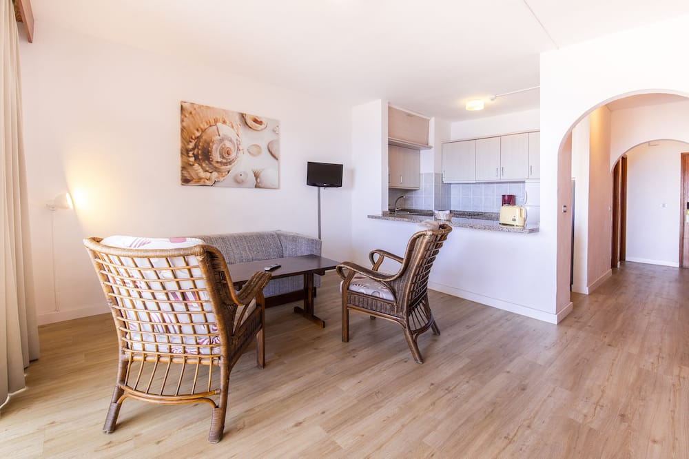 Superior Apart Daire, 1 Yatak Odası, Deniz Manzaralı (2 Adults + 2 Children) - Oturma Odası
