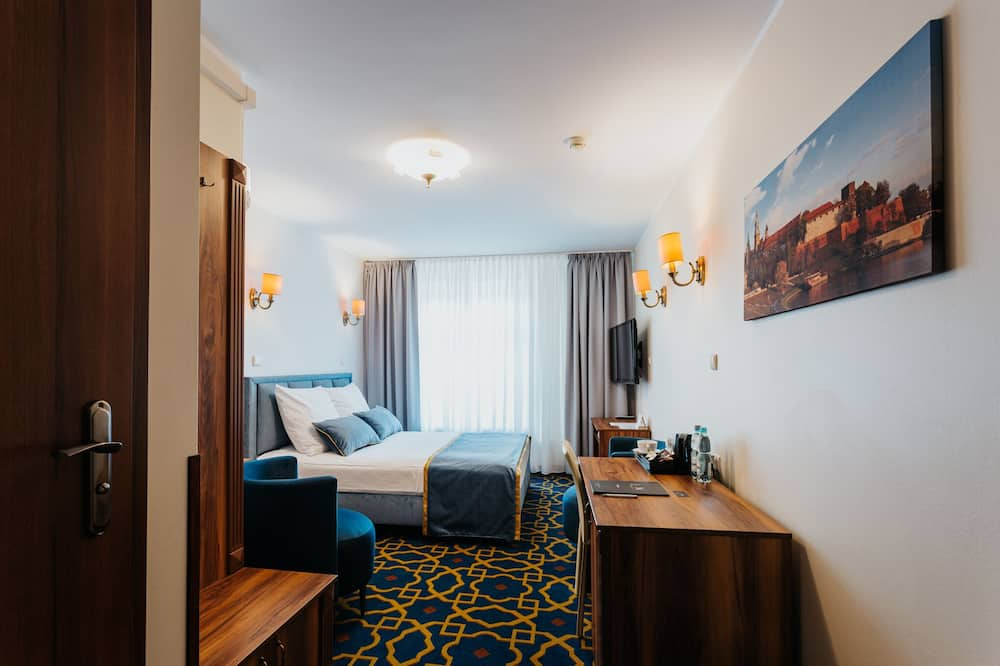 Classic Double Room Single Use - Living Area