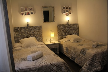 Picture of Oasis Backpackers Hostel Toledo in Toledo