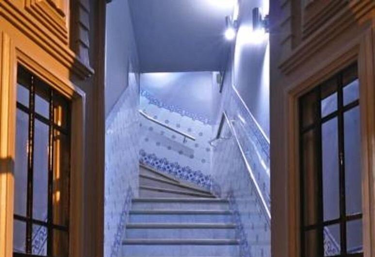 Guest House São Filipe, Faro, Hotel bejárata