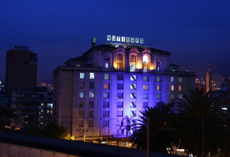 Hotel Nutibara, Medellin, Hotellfasad - kväll