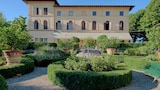 Choose This Luxury Hotel in Siena
