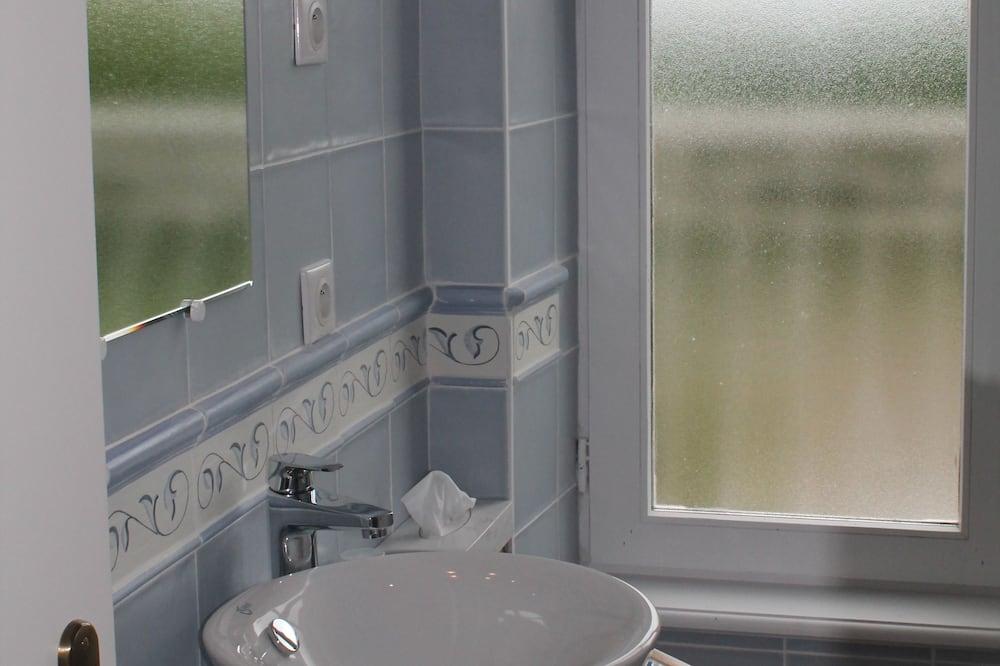 Luxury Single Room - Bathroom