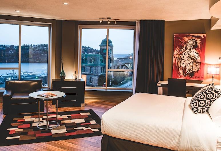 Hôtel Chicoutimi, Saguenay, Studiové apartmá typu Superior, dvojlůžko (200 cm), částečný výhled na jezero, Executive patro, Pokoj