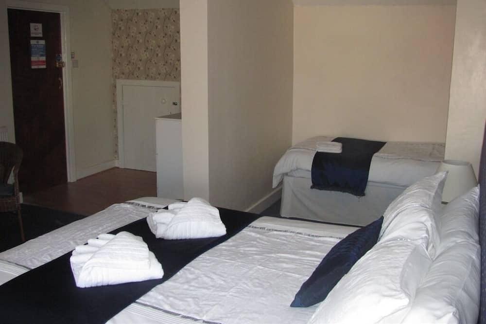 Habitación triple, baño privado (SUITABLE FOR 3 ADULTS) - Habitación