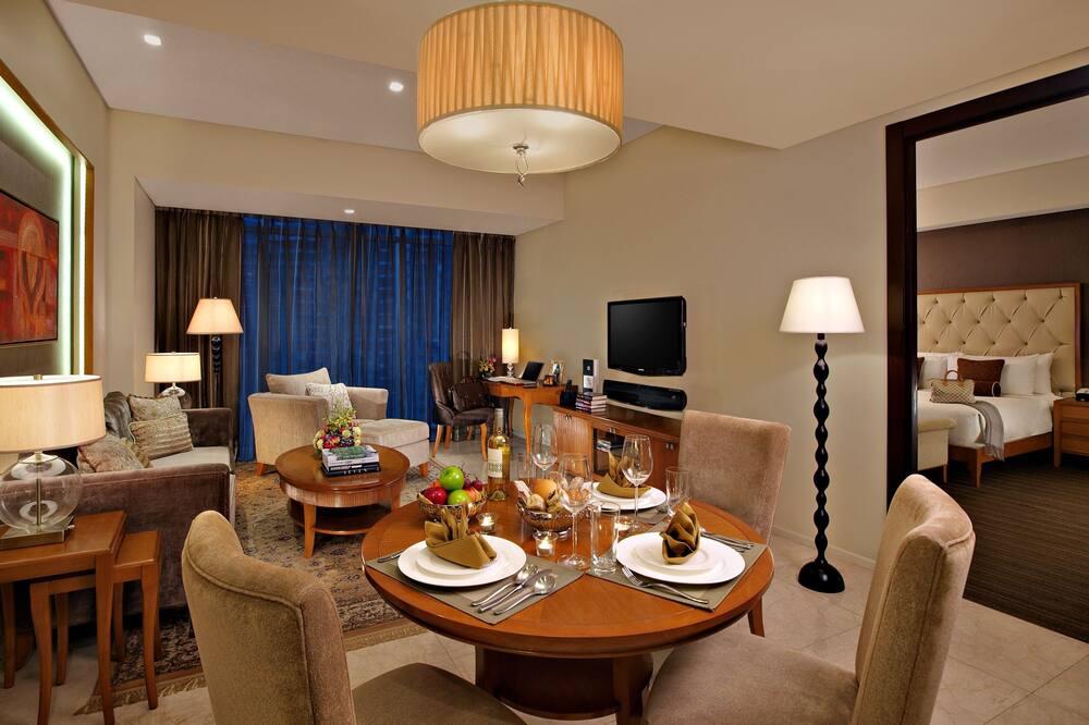 Suite, 1 habitación, cocina (In-room steam bath) - Servicio de comidas en la habitación