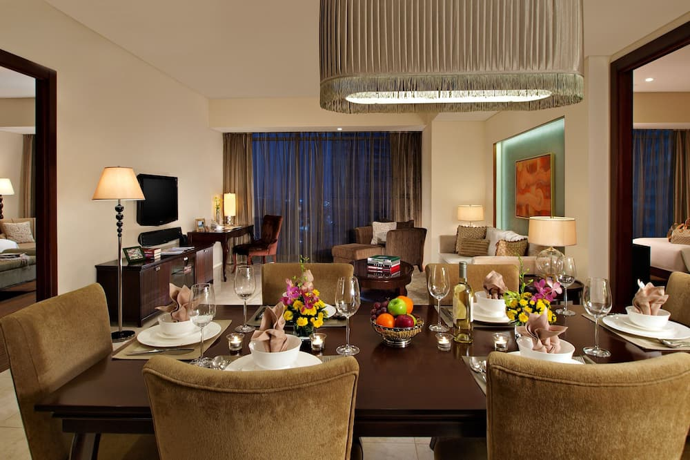 Suite, 2 habitaciones, cocina (In-room steam bath) - Servicio de comidas en la habitación