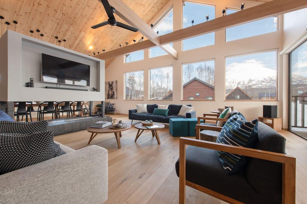 Luxury Chalet, 5 Bedrooms - Bilik Rehat