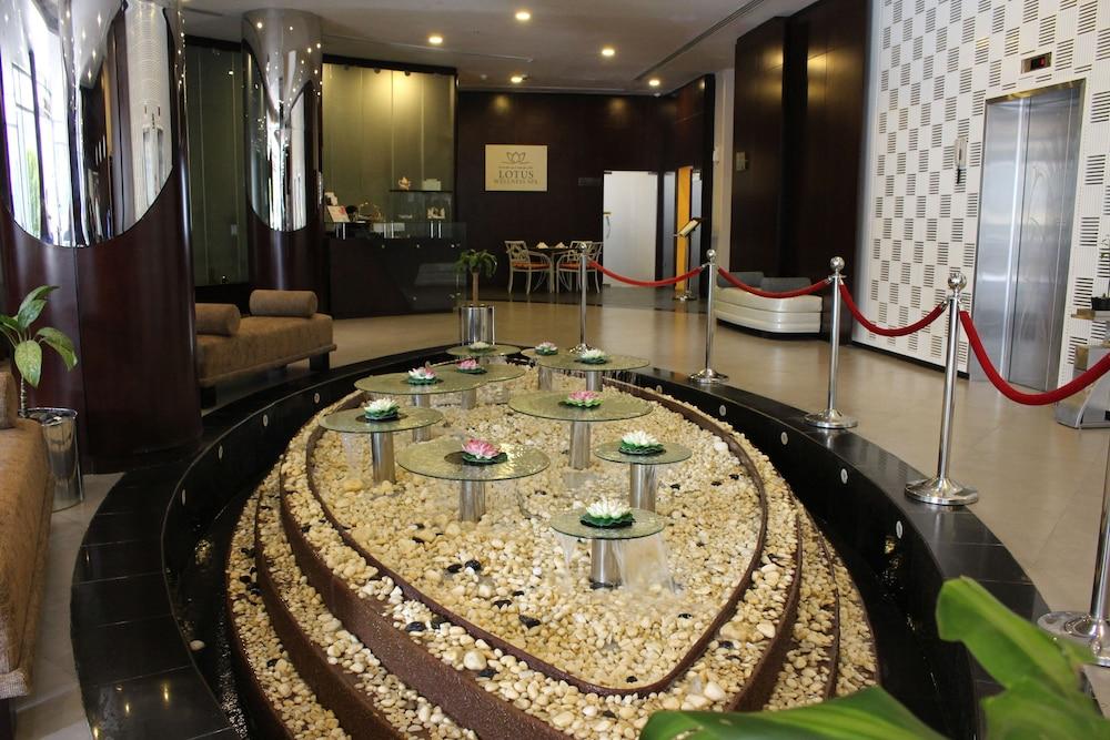 Lotus Hotel Apartments Spa Marina Dubai Interior Entrance
