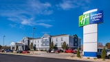 Reserve this hotel in Pittsburg, Kansas