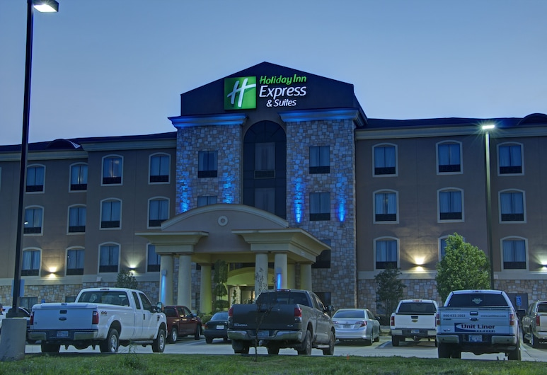 Holiday Inn Express & Suites Paris, Texas, an IHG Hotel, Paris, Hotel Front – Evening/Night
