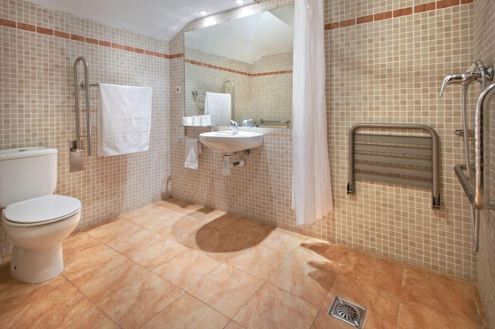 四人房 (2 adults + 2 children) - 浴室