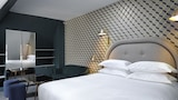 Choose This Cheap Hotel in Paris