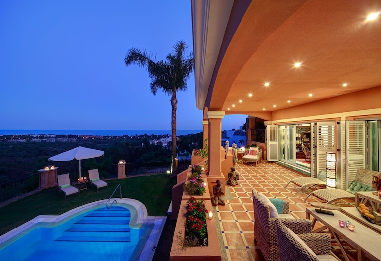 The Marbella Heights Boutique Hotel, Marbella, Hotellets front