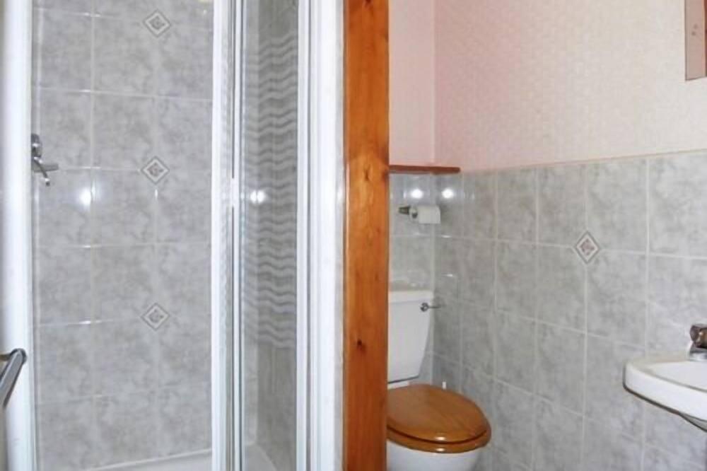 Habitación triple, baño privado ((Double Bed & Single Bed)) - Baño