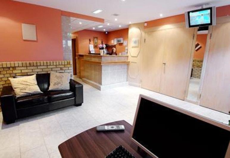The Rosemount Hotel, Hounslow, Lobby