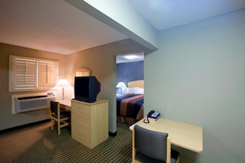 Picture of Americas Best Value Inn - Midland in Midland