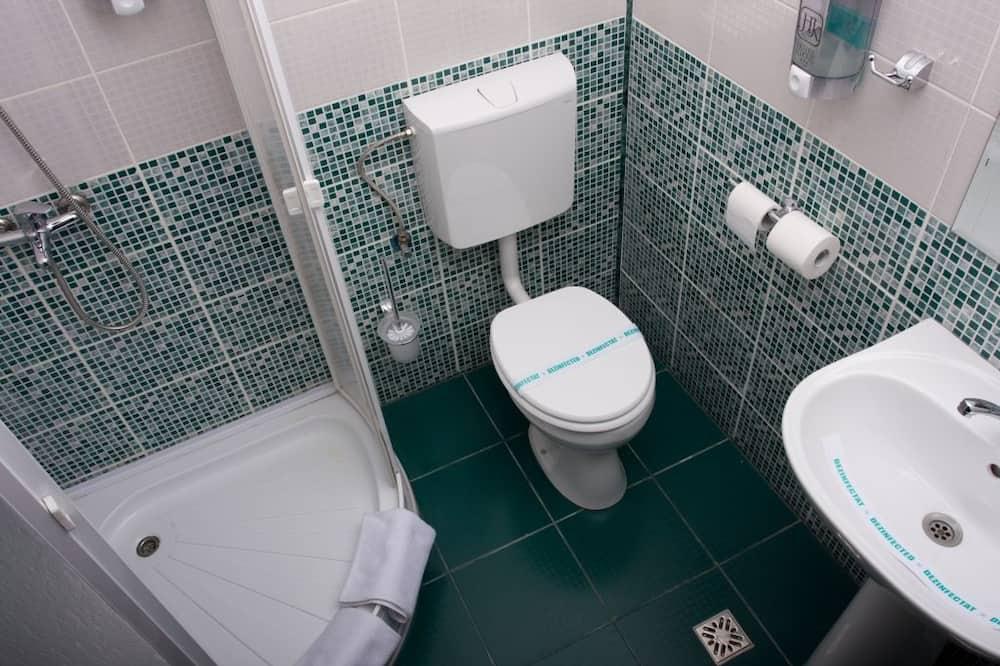 Double Room Single Occupancy - ห้องน้ำ