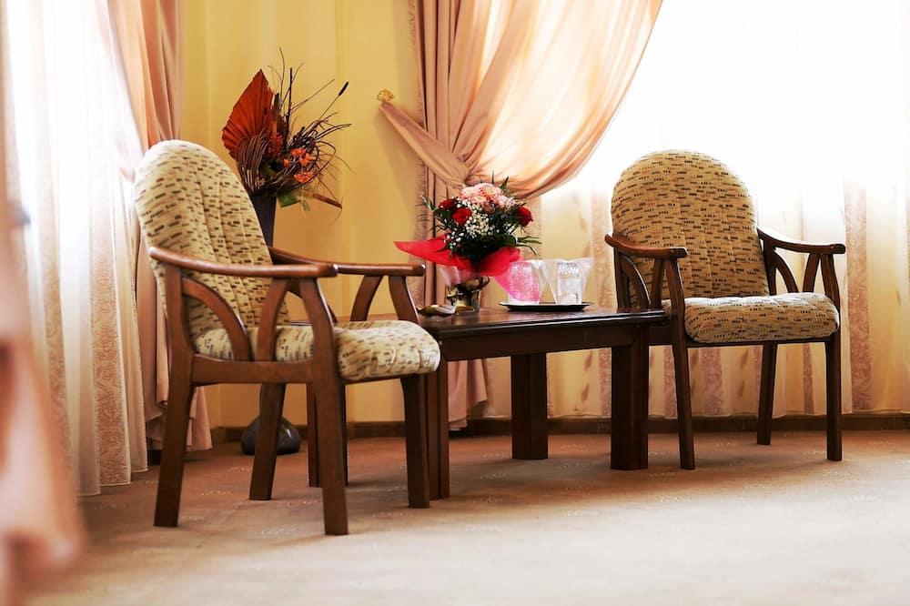 Standard Double Room, 1 Bedroom, Non Smoking - Living Area