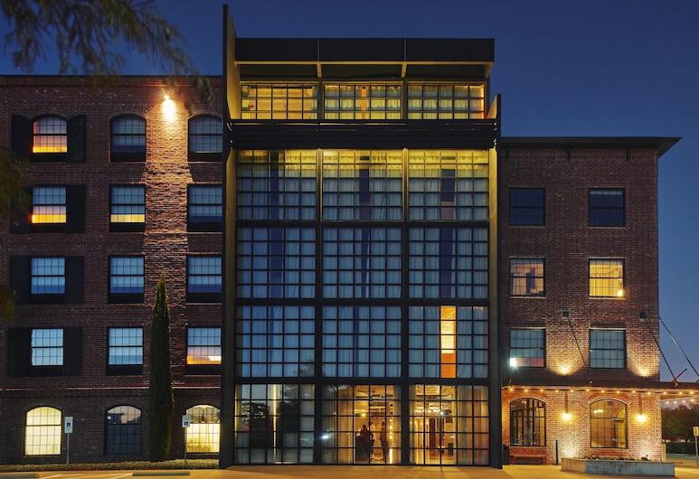 NYLO Las Colinas Hotel, Tapestry Collection by Hilton, Irving, Façade de l'hôtel - Soir/Nuit