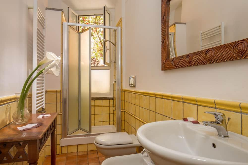 Double Room, Kitchen (Shared Kitchen) - Bathroom