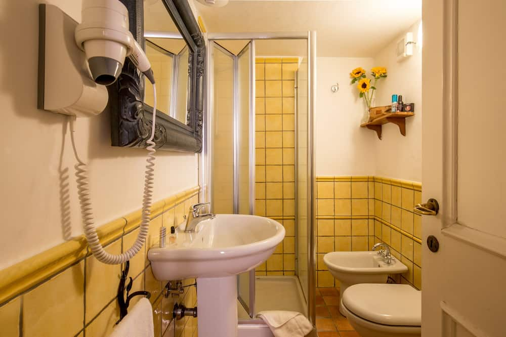 Quadruple Room, Kitchen - Bathroom