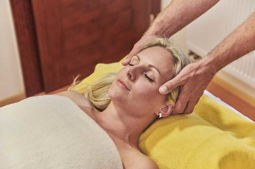 Cheb thai massage Bangkok Madam: