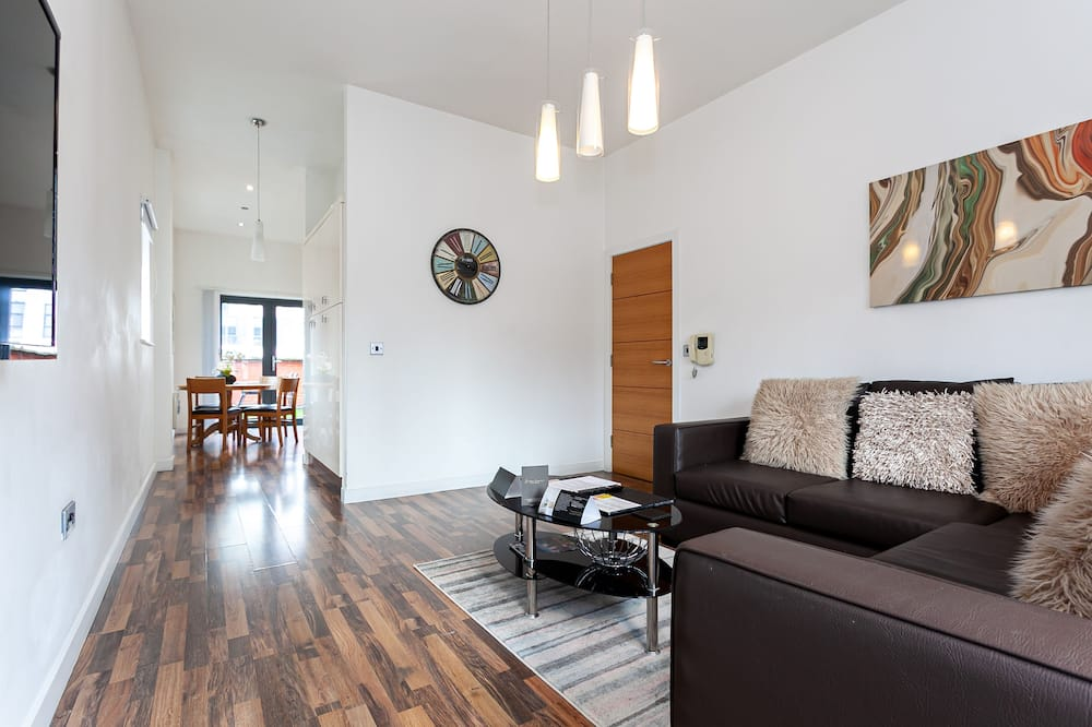Deluxe Apartment, 2 Bedrooms (Extended Stay) - Living Area