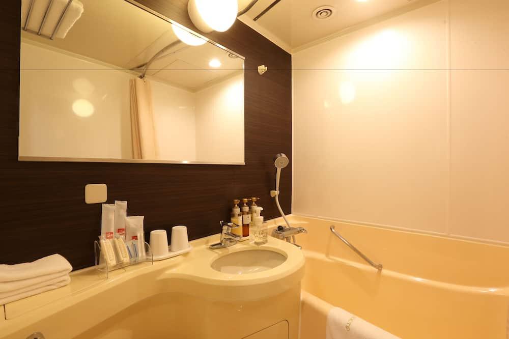 Zweibettzimmer, Raucher (Studio, 15.2sqm, Late Check Out 12pm) - Badezimmer