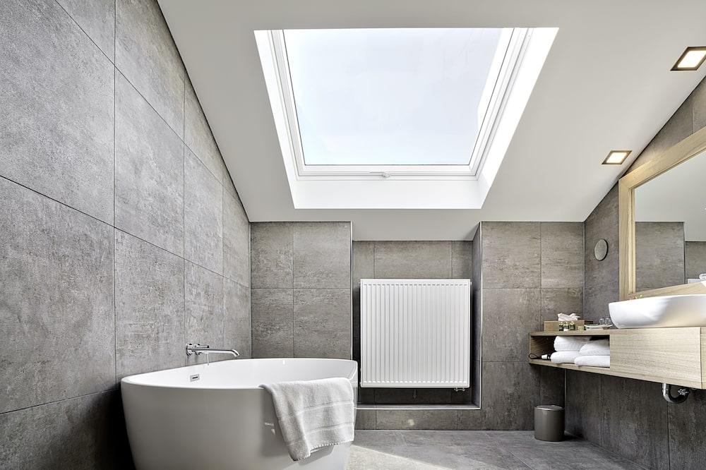 Superior Room, Park View (Plus) - Bathroom