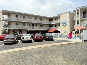 Picture of Bay Breeze Motel in Seaside Heights