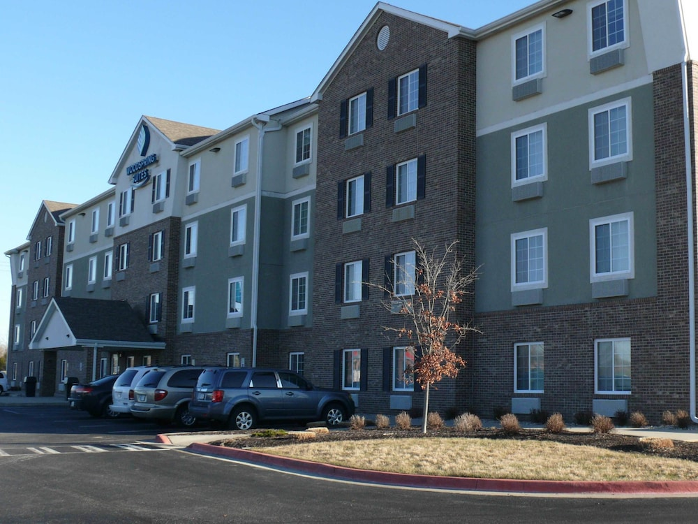 WoodSpring Suites Indianapolis Airport, Indianapolis